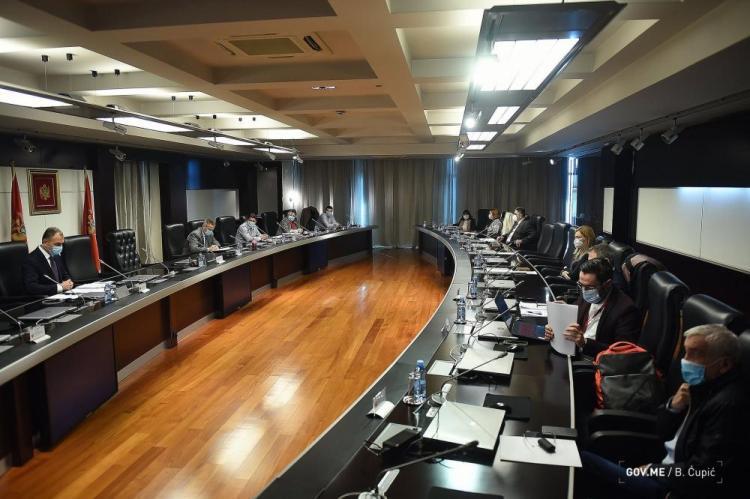Nove mjere NKT-a : Lokali i prodavnice radiće  do 18 sati, zabrana izlaska od 19