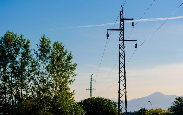 Više naselja bez struje i danas