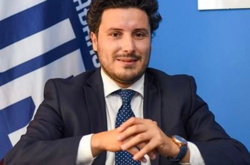 Abazović: Dok priča o navodnom poštovanju Ustava i zakona, Đukanović duguje 12,4 miliona eura poreza