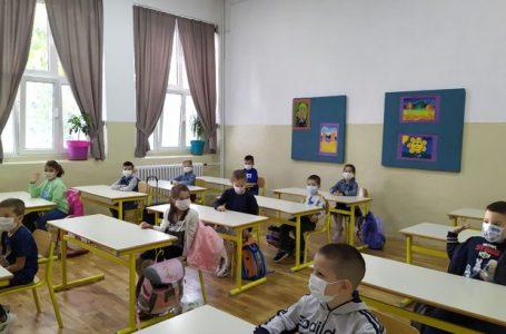 Zavod za školstvo uputio školama dopis: Nastavnici da skrate gradivo