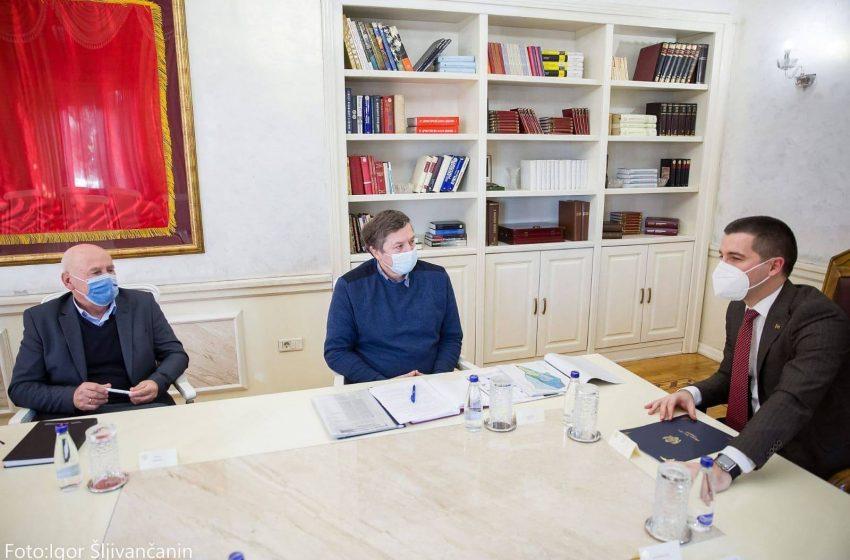Bivši radnici Solane zadovoljni sastankom kod Bečića