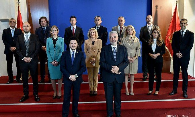 Oglasila se Vlada: Spremni smo da sjednemo za sto sa Đeljošajem
