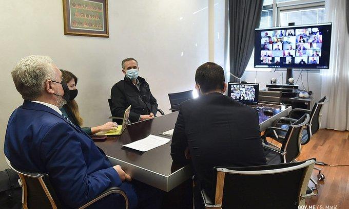 Krivokapić sa predsjednicima opština: Spriječimo da loša situacija u Crnoj Gori ne postane još lošija