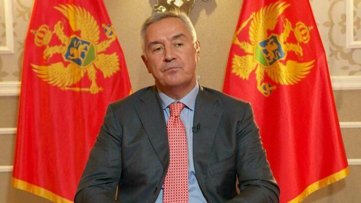 Đukanović: Vlada da zatvori granice i uvede najstrože mjere