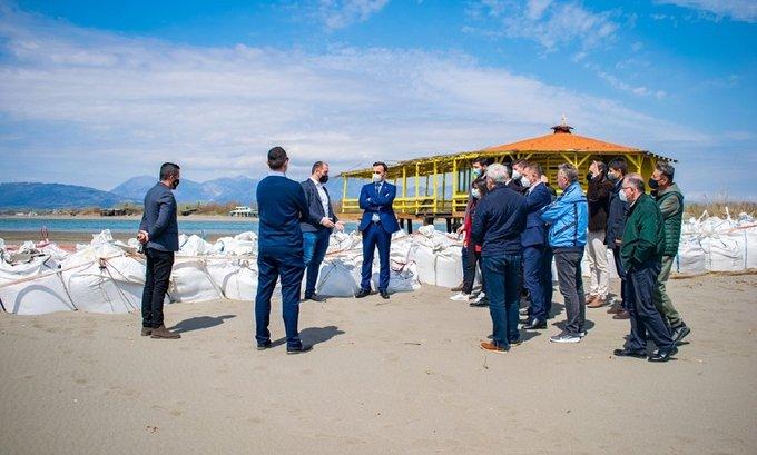 Stijović obišao radove na održavanju protočnosti desnog rukavca rijeke Bojane i Ade