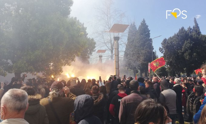 U Podgorici protest: Na sjednici Vlade se neće razmatrati Odluka o kriterijumima za državljanstvo