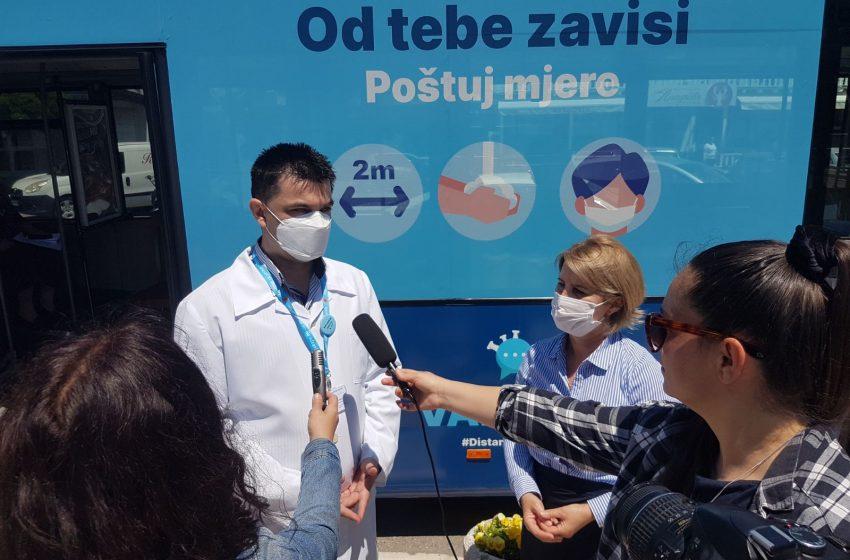 Mobilni punkt za vakcinaciju privukao građane Ulcinja