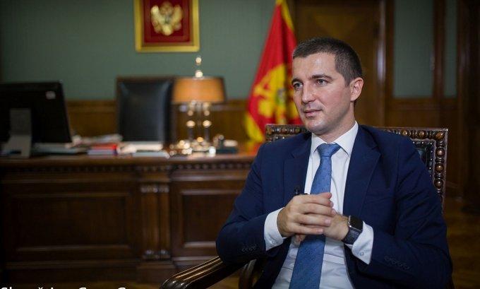 Razrješenje Leposavića neće srušiti Vladu