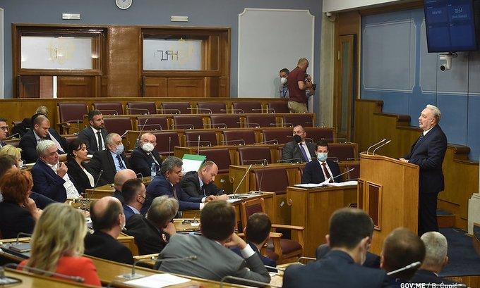 Premijera pitaju ima li podršku u parlamentu