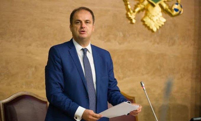 Premijer zvao albanske partije na sastanak