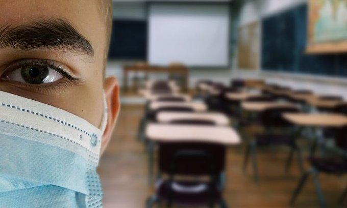 Roditelji odlučuju da li će djeca nositi masku