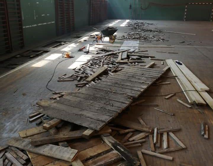 U toku rekonstrukcija parketa sportske sale u OŠ Maršal Tito, Dabović donirao mjesečnu platu