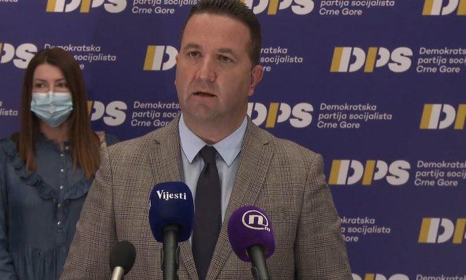 Eraković: Poraz projekta masovne vakcinacije, ostavka Vlade spasonosno rješenje