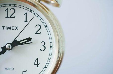 U nedjelju počinje zimsko računanje vremena, kazaljke vraćamo sat unazad
